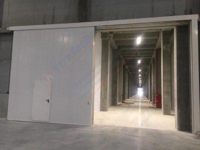 Откатные противопожарные ворота FireTechnics-P EI60 с калиткой, Складской комплекс